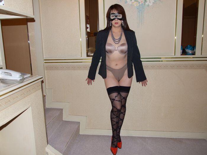 フェチ向け!70代の超熟女の不倫人妻の下着姿の画像6枚目