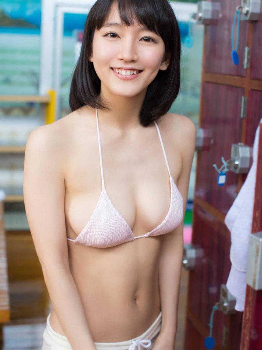 吉岡里帆の男を悦ばせる魅惑の巨乳と身体のエロ画像5枚目