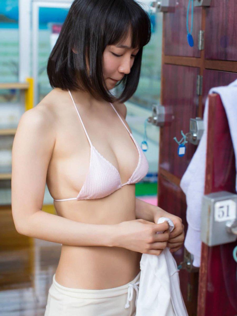 吉岡里帆の男を悦ばせる魅惑の巨乳と身体のエロ画像7枚目