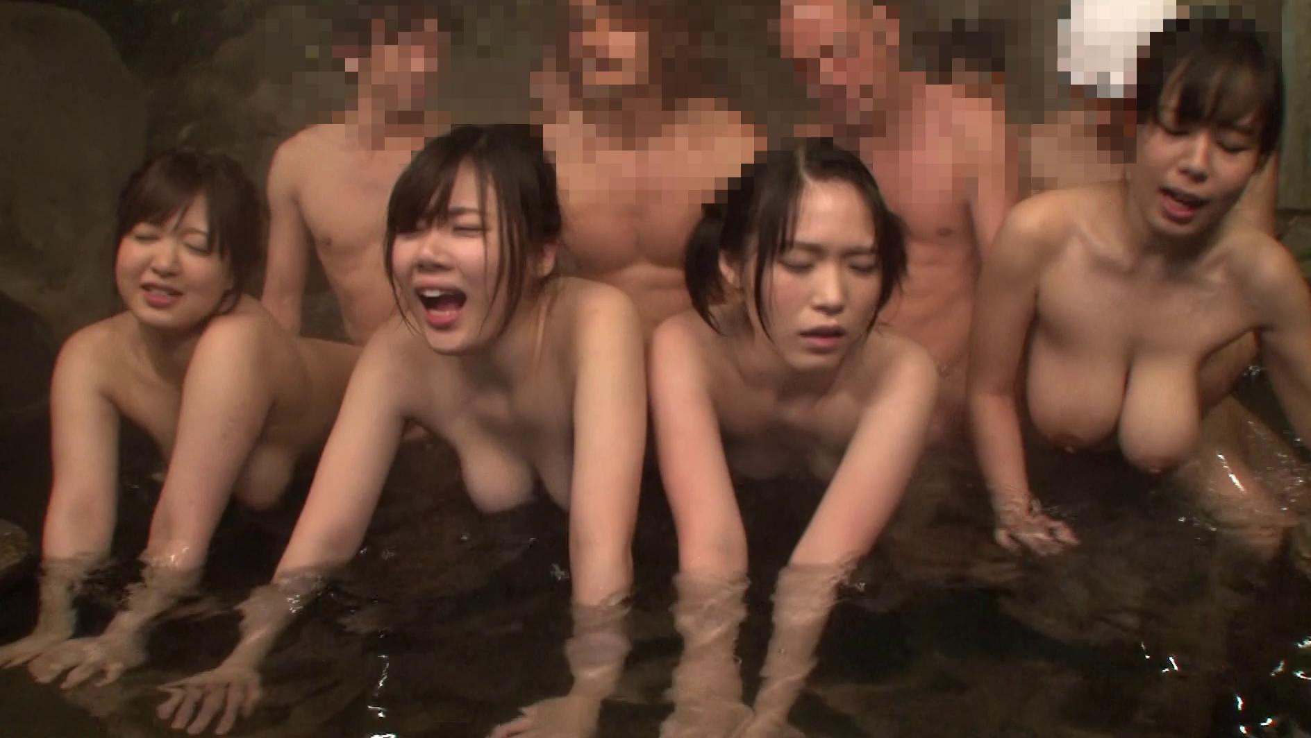 本番ピンクコンパニオンの温泉での乱交枕営業エロ画像12枚目