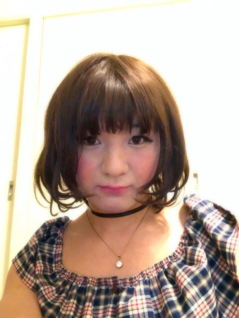 タイのニューハーフと日本の男の娘の自撮り対決エロ画像14枚目