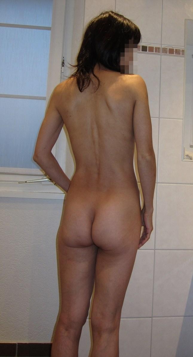 垂れ乳人妻がシックスナインフェラする不倫のエロ画像12枚目