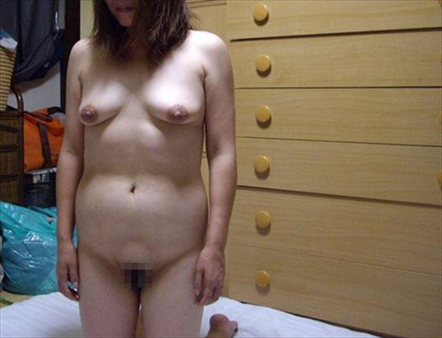 デブ熟女が帝王切開の腹でセフレと不倫する淫乱エロ画像15枚目