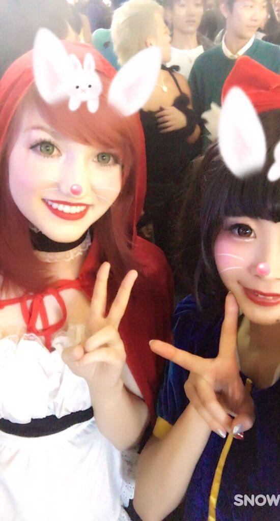 渋谷のハロウィンでエロい露出コスプレ素人エロ画像7枚目