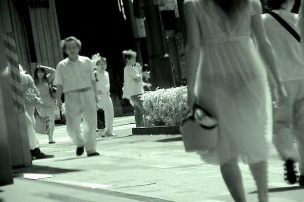 可愛いjkの仲良しプール赤外線透けまん毛の盗撮エロ画像15枚目