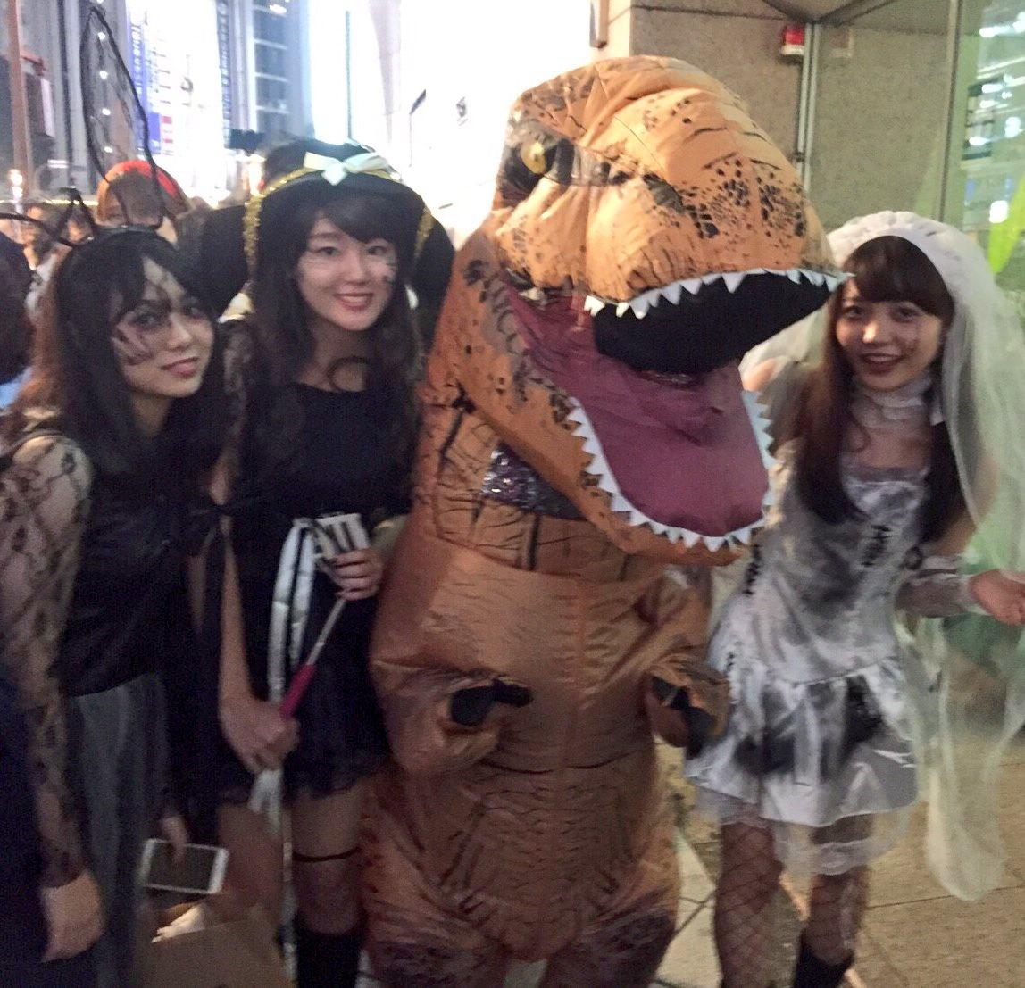 ハロウィンの渋谷でエロコス援交をする未成年エロ画像9枚目