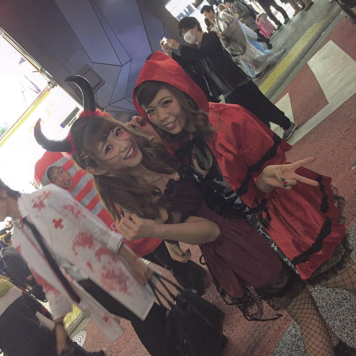 ハロウィン渋谷でオフパコするエロコスプレ少女エロ画像3枚目
