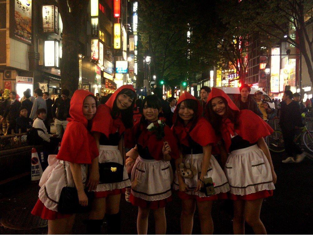 ハロウィン渋谷でオフパコするエロコスプレ少女エロ画像10枚目