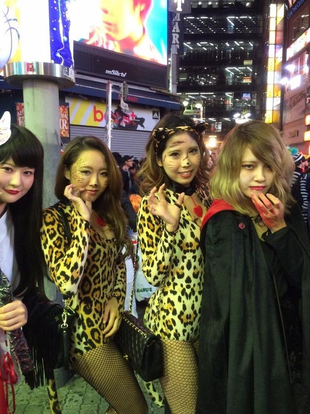 これが渋谷パリピのハロウィンのエロコスプレ画像15枚目