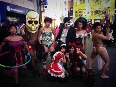 渋谷のハロウィンは中出し射精も全然OKなエロ画像4枚目