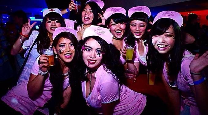 渋谷のハロウィンお持ち帰りエロコスプレエロ画像6枚目