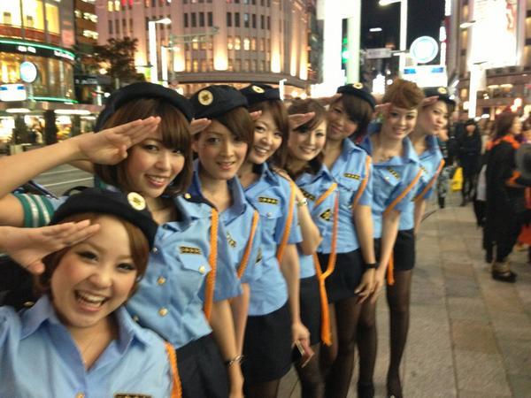 ナンパ待ちする2017渋谷ハロウィンのエロコス画像5枚目