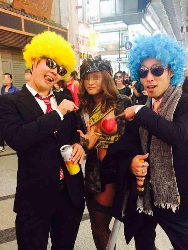 ピルを飲んで渋谷のハロウィンに来るエロコスプレ画像3枚目