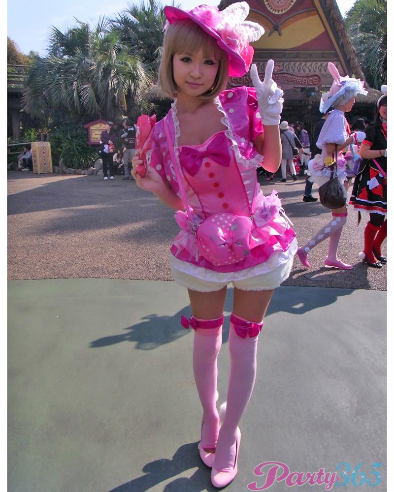 ピルを飲んで渋谷のハロウィンに来るエロコスプレ画像5枚目