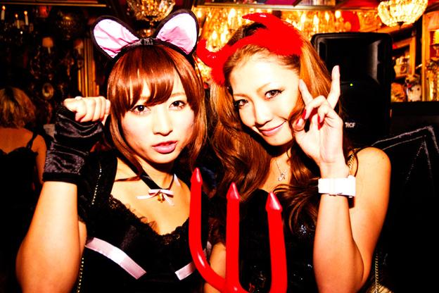 ピルを飲んで渋谷のハロウィンに来るエロコスプレ画像8枚目