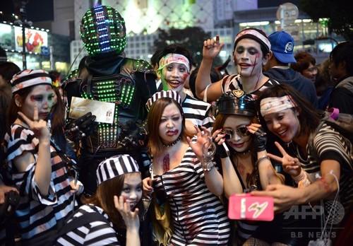 アフターピルを飲む渋谷ハロウィンのエロコスプレエロ画像13枚目