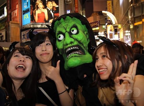 アフターピルを飲む渋谷ハロウィンのエロコスプレエロ画像14枚目