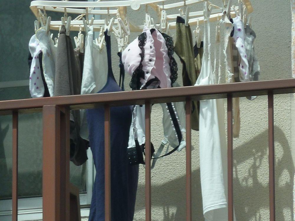 マンションのベランダ下着をストーカーが盗撮したエロ画像15枚目
