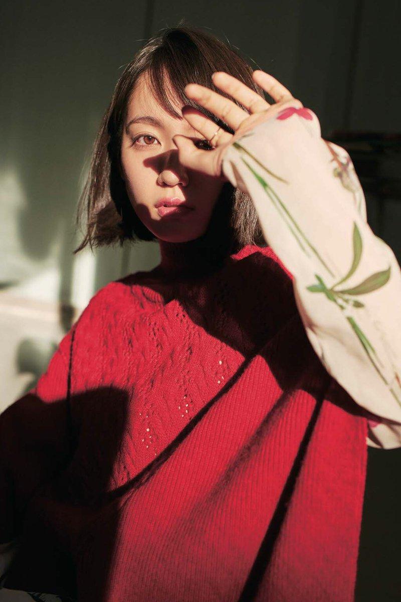 カメラ目線で喉を鳴らして精飲する吉岡里帆のエロ画像4枚目