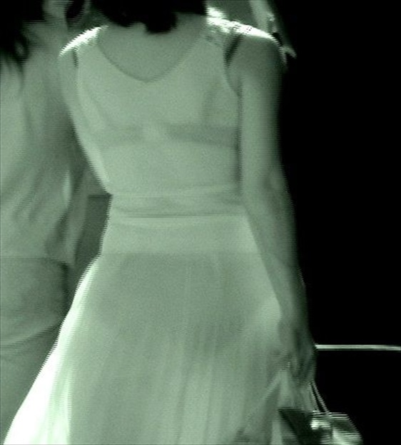JK女子の競泳水着から透けてしまった剛毛の赤外線盗撮エロ画像9枚目